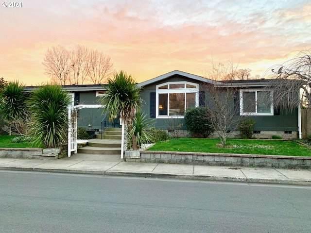 1637 Skipper Ave, Eugene, OR 97404 (MLS #21146561) :: Song Real Estate