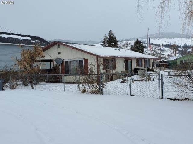 309 Lake Ave, La Grande, OR 97850 (MLS #21149391) :: Duncan Real Estate Group