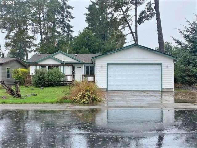 207 Lakeland Dr., Lakeside, OR 97449 (MLS #21219945) :: Lux Properties