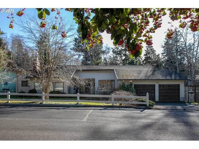 2197 Fernwood St, Seaside, OR 97138 (MLS #21221923) :: Fox Real Estate Group