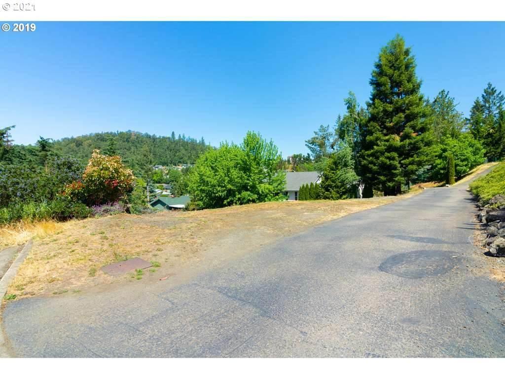 1366 Cedar Ridge Ct - Photo 1
