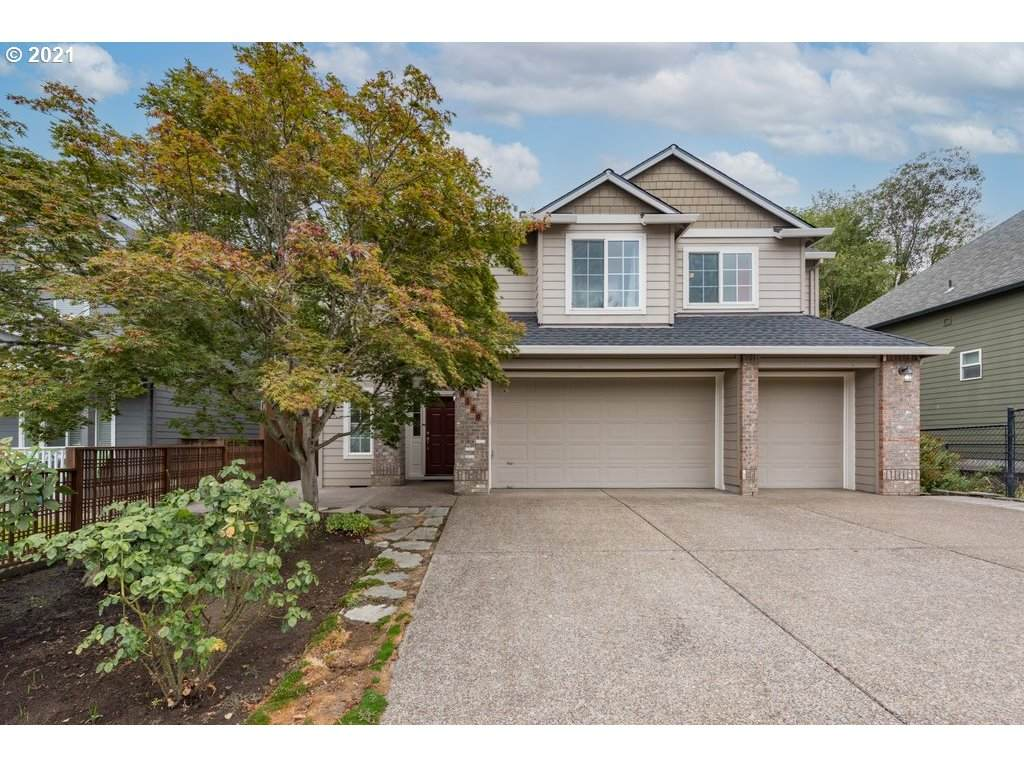 8540 165TH Ave - Photo 1