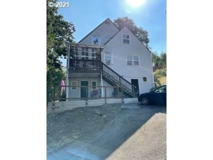 453 SE Dos Gatos Ct, Roseburg, OR 97470 (MLS #21247682) :: Townsend Jarvis Group Real Estate