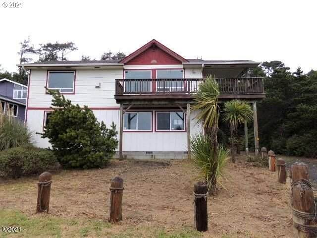 1905 NW Parker Ave, Waldport, OR 97394 (MLS #21261060) :: Beach Loop Realty