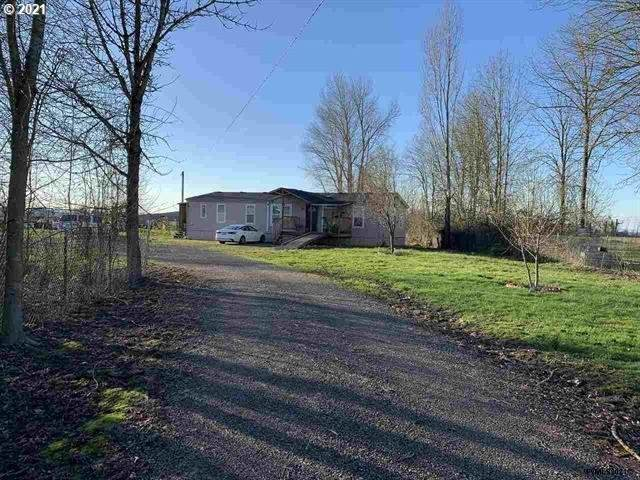14107 Butteville Rd, Gervais, OR 97026 (MLS #21268805) :: Song Real Estate