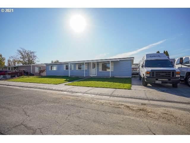 1225 SW Sandy Dr, Hermiston, OR 97838 (MLS #21270213) :: Premiere Property Group LLC