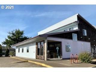 520 NE Commercial St, Waldport, OR 97394 (MLS #21271001) :: Premiere Property Group LLC