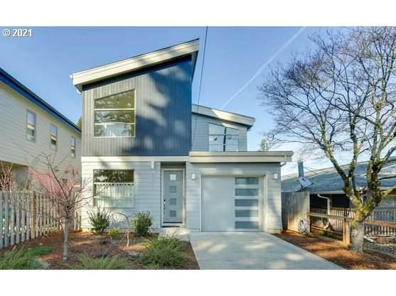 5711 SE Harold St, Portland, OR 97206 (MLS #21308262) :: Real Tour Property Group