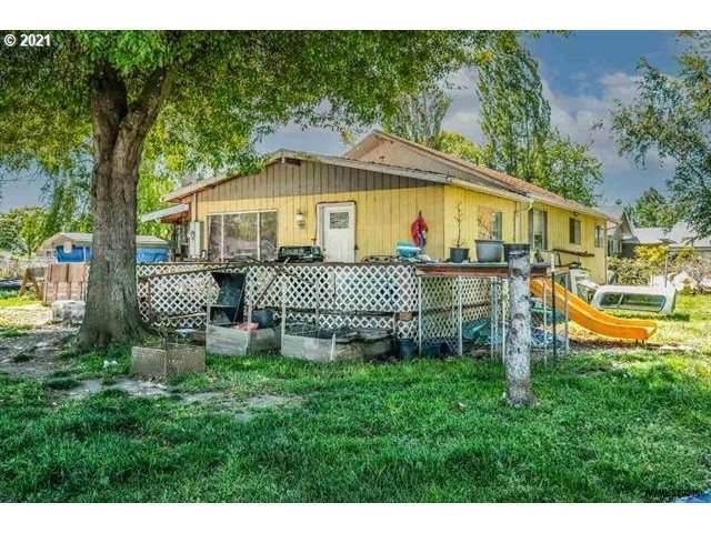 2550 Porter St, Lebanon, OR 97355 (MLS #21323281) :: Fox Real Estate Group