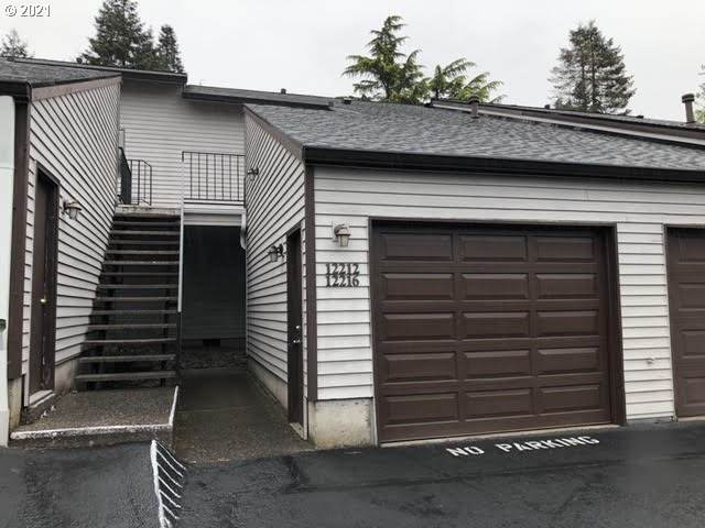 12216 SE 104TH Ct, Happy Valley, OR 97086 (MLS #21329387) :: Fox Real Estate Group