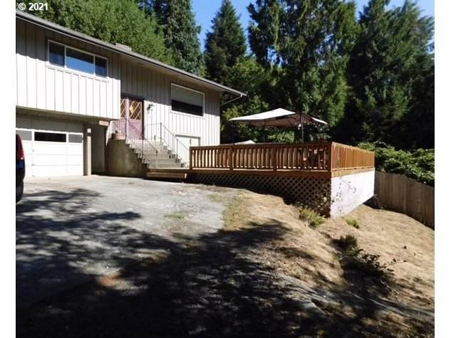 1101 E 15TH St, Coquille, OR 97423 (MLS #21347067) :: Real Tour Property Group