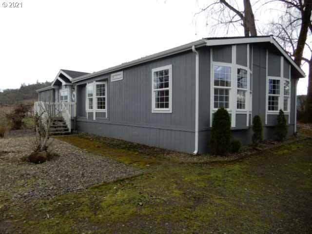 994 Jones Rd, Roseburg, OR 97471 (MLS #21353602) :: Stellar Realty Northwest
