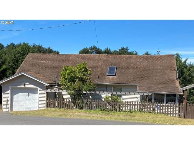 1303 SW Fleet Ave, Lincoln City, OR 97367 (MLS #21359364) :: Cano Real Estate