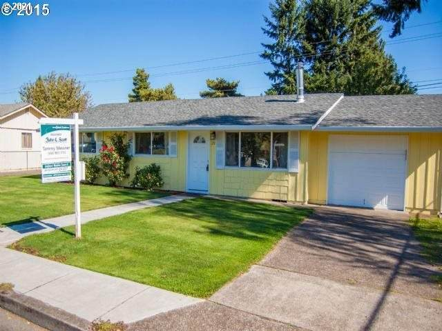 211 SE 98TH Ave, Vancouver, WA 98664 (MLS #21370473) :: Fox Real Estate Group