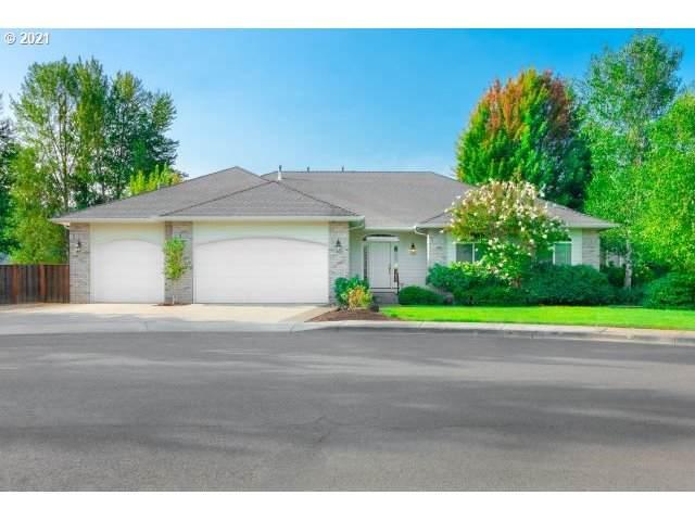1138 SE Fairway Dr, Myrtle Creek, OR 97457 (MLS #21379040) :: Premiere Property Group LLC
