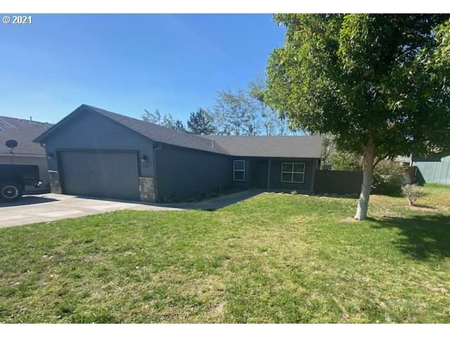 2205 NE Eucalyptus Dr, Hermiston, OR 97838 (MLS #21379342) :: Premiere Property Group LLC