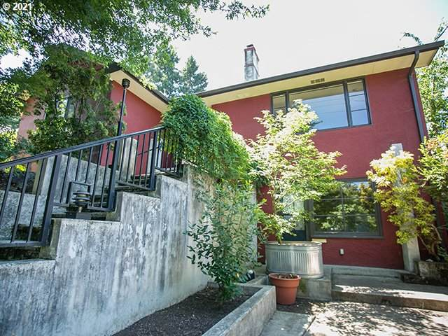 2730 Emerald St, Eugene, OR 97403 (MLS #21389871) :: Change Realty