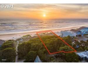 5740 Guardenia Ave, Pacific City, OR 97135 (MLS #21404616) :: Fox Real Estate Group