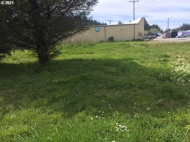 Ninth St, Port Orford, OR 97465 (MLS #21408299) :: Beach Loop Realty