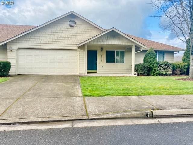 2111 S 8TH St, Cottage Grove, OR 97424 (MLS #21409452) :: Fox Real Estate Group