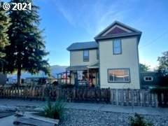 2007 8TH St, Baker City, OR 97814 (MLS #21418907) :: Premiere Property Group LLC