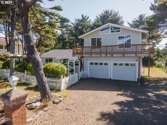 3855 SW Fehrenbacher Dr, Waldport, OR 97394 (MLS #21426999) :: Townsend Jarvis Group Real Estate