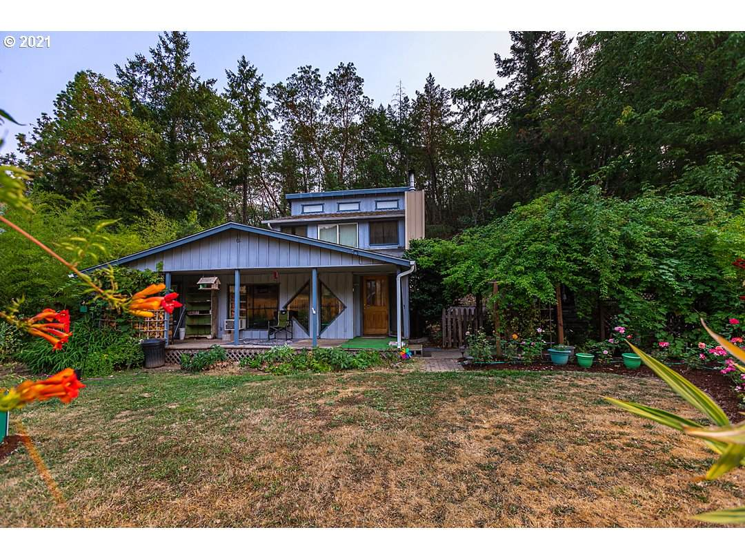 1856 Canyonville-Riddle Rd - Photo 1