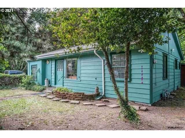 39395 Gross St, Lebanon, OR 97355 (MLS #21458169) :: McKillion Real Estate Group