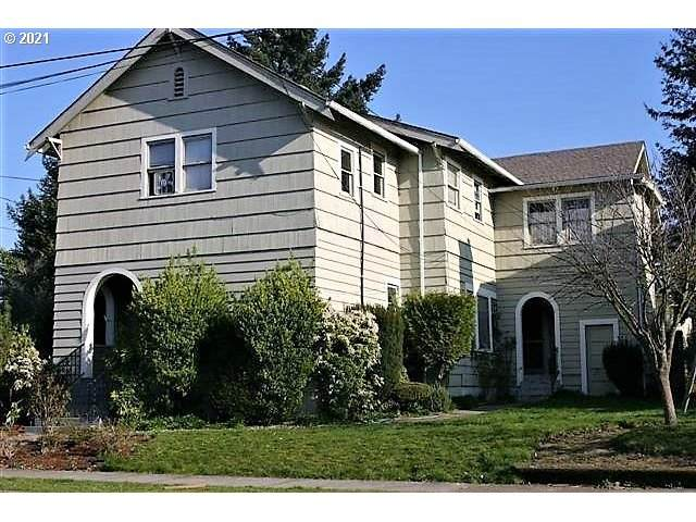 412 John Adams St, Oregon City, OR 97045 (MLS #21470081) :: McKillion Real Estate Group