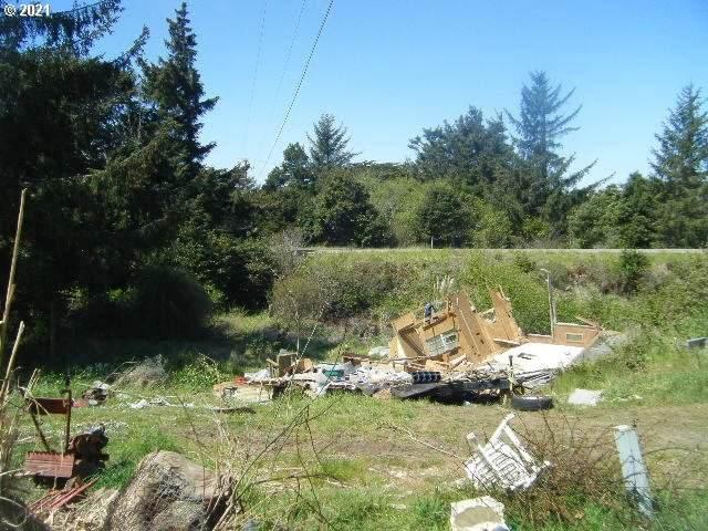 33050 Hillside Acres Rd, Gold Beach, OR 97444 (MLS #21474332) :: McKillion Real Estate Group