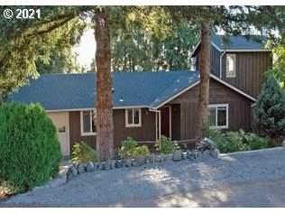 9 Woodridge, Coquille, OR 97423 (MLS #21478324) :: Song Real Estate