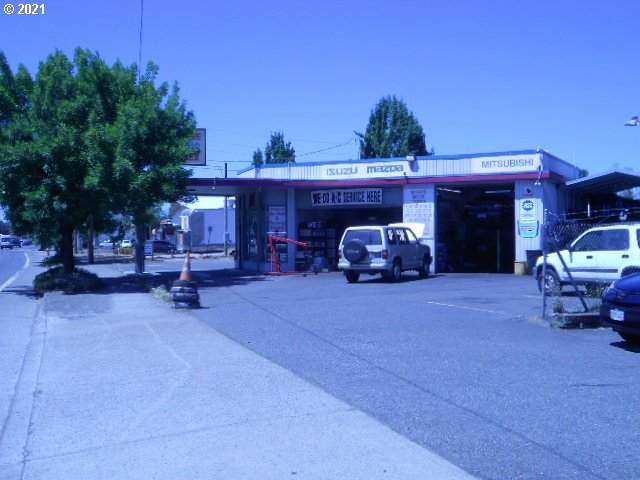 10323 NE Sandy Blvd, Portland, OR 97220 (MLS #21493183) :: Coho Realty