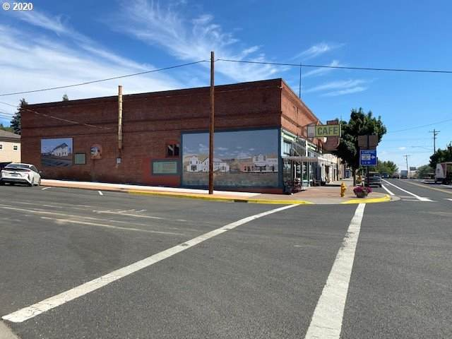 410 Main St, Moro, OR 97039 (MLS #21501702) :: The Pacific Group