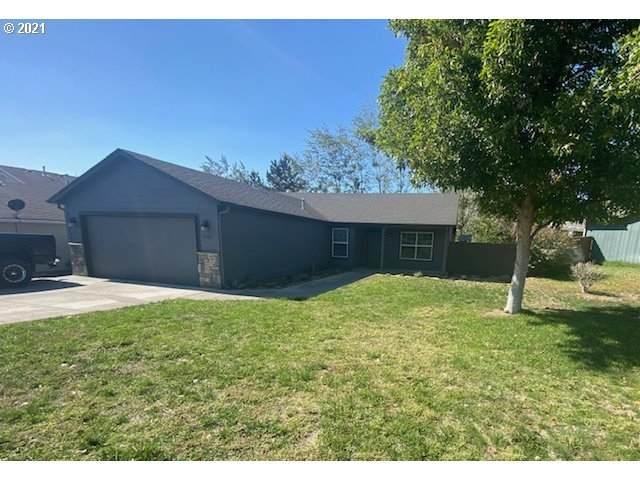 2205 NW Eucalyptus Dr, Hermiston, OR 97838 (MLS #21508570) :: Fox Real Estate Group