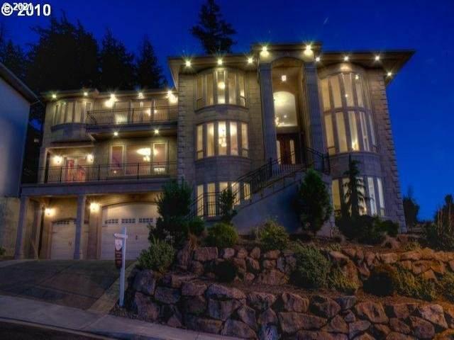 9330 SE Emmert View Ct, Happy Valley, OR 97086 (MLS #21510573) :: Stellar Realty Northwest