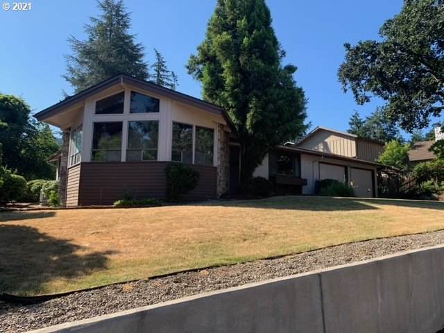 385 S 68TH Pl, Springfield, OR 97478 (MLS #21524363) :: McKillion Real Estate Group
