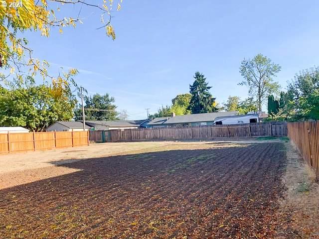 Dakota St #2, Eugene, OR 97402 (MLS #21612464) :: Fox Real Estate Group