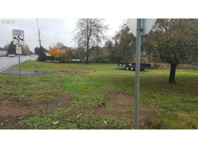 910 E Central Ave, Sutherlin, OR 97479 (MLS #21618566) :: Townsend Jarvis Group Real Estate