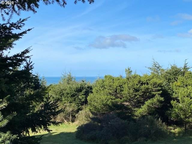 0 Deady 13th Jefferson St, Port Orford, OR 97465 (MLS #21644623) :: Beach Loop Realty