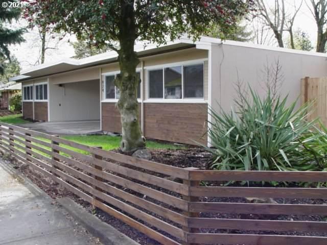 922 T St, Vancouver, WA 98661 (MLS #21659880) :: McKillion Real Estate Group