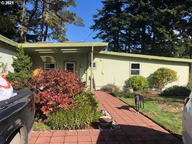 70343 Peninsula Rd, North Bend, OR 97459 (MLS #21672494) :: Premiere Property Group LLC
