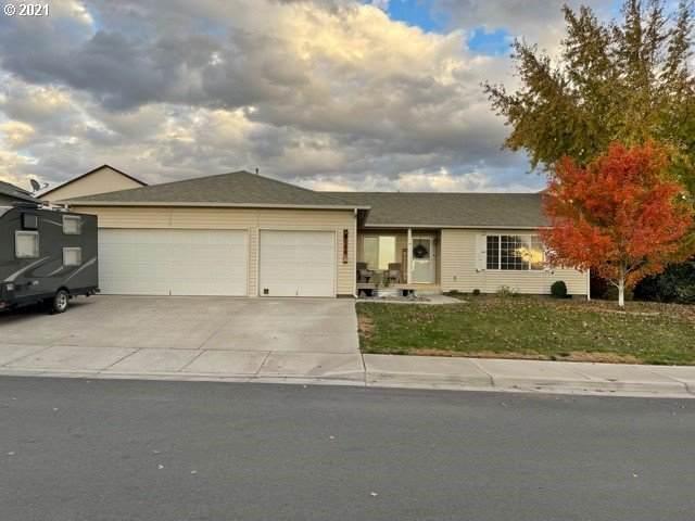 2124 NW Eucalyptus Dr, Hermiston, OR 97838 (MLS #21685725) :: Fox Real Estate Group