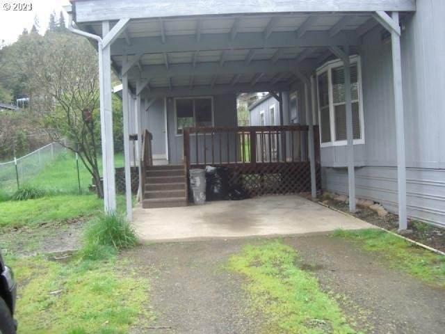 3793 Hooker Rd, Roseburg, OR 97470 (MLS #21687493) :: Fox Real Estate Group