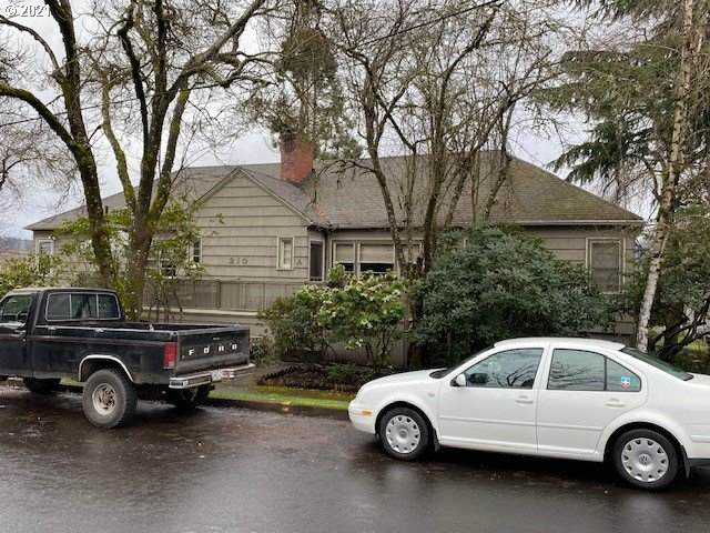 210 E 3RD Ave, Eugene, OR 97401 (MLS #21692370) :: Song Real Estate
