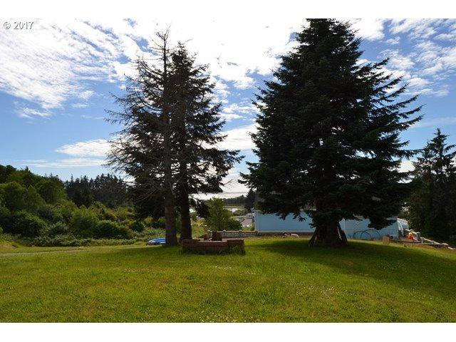 Woods St, Bay City, OR 97107 (MLS #17316713) :: Cano Real Estate