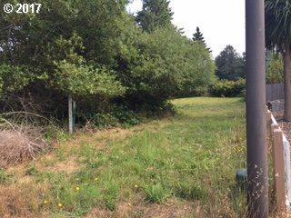 Oakwood Ct #7, Brookings, OR 97415 (MLS #17338514) :: Cano Real Estate