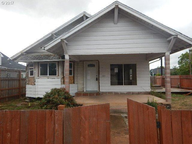 105 E Harrison Ave, Cottage Grove, OR 97424 (MLS #17347792) :: Craig Reger Group at Keller Williams Realty