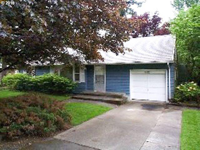 7812 SW Greenwood Dr, Portland, OR 97223 (MLS #17464662) :: Next Home Realty Connection