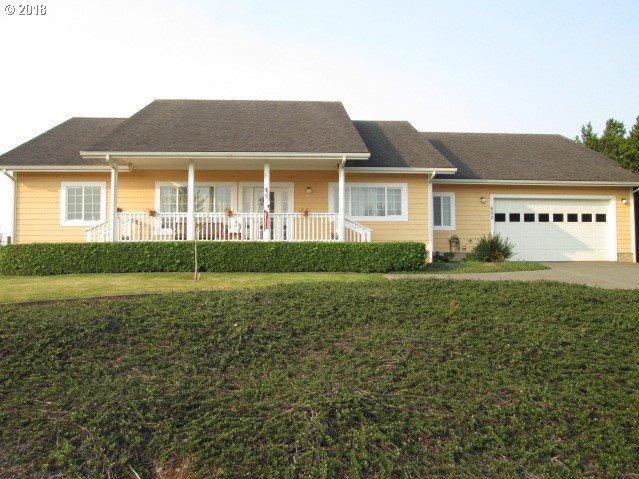 600 Windcrest Dr, Bandon, OR 97411 (MLS #17618517) :: Cano Real Estate