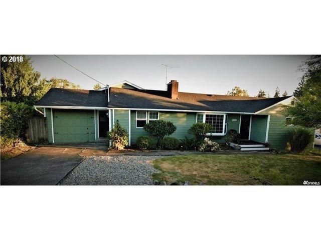 1812 Harris St, Kelso, WA 98626 (MLS #18006952) :: Hatch Homes Group